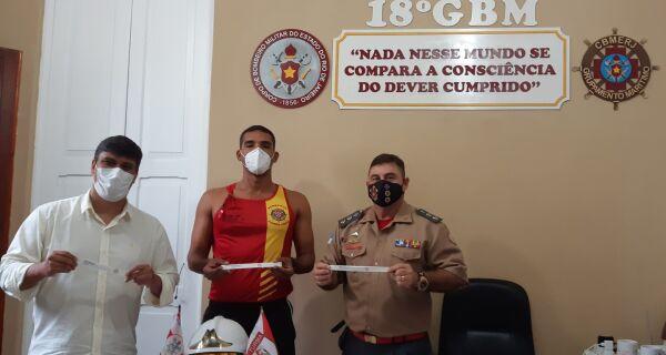 Bombeiros do 18°GBM distribuirão pulseiras de identificação nas praias durante o Carnaval
