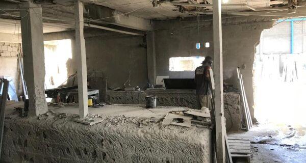 Polícia Ambiental interdita marmoraria por poluição na Praia do Siqueira