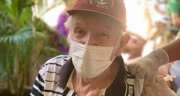 Prefeitura de Araruama começa a vacinar idosos a partir de 80 anos