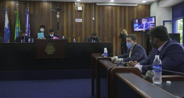 Vereadores cobram dados sobre a vacinação contra Covid-19 em Cabo Frio