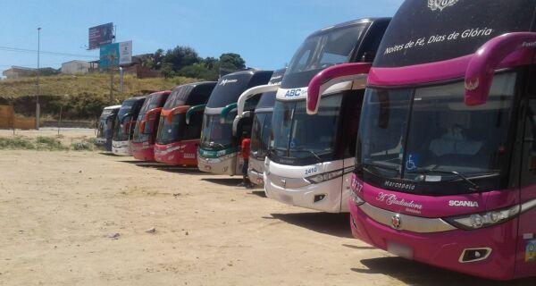 Prefeitura de São Pedro da Aldeia notifica estacionamentos clandestinos de ônibus de Turismo
