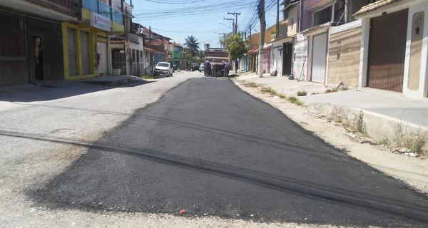 Secretaria de Obras fecha buraco no Jardim Caiçara mostrado em reportagem da Folha