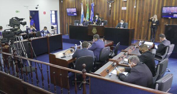 Câmara de Cabo Frio estuda adotar sessões híbridas a partir do segundo semestre