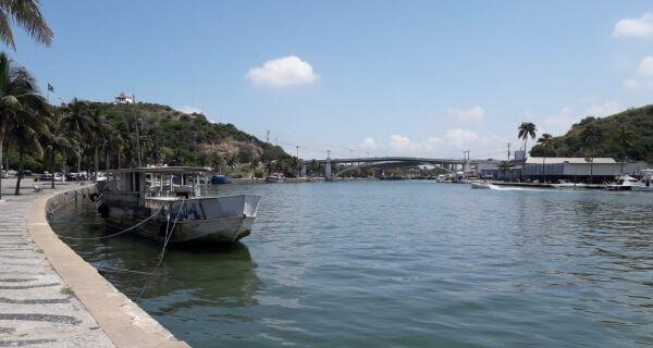 Último sábado do verão é marcado por sol e movimento de turistas na região
