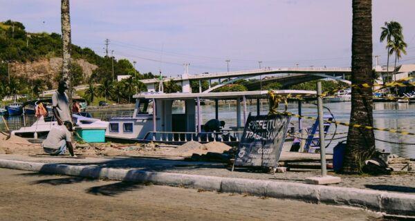 Revitalização do deck no Canal Itajuru, em Cabo Frio, é retomada