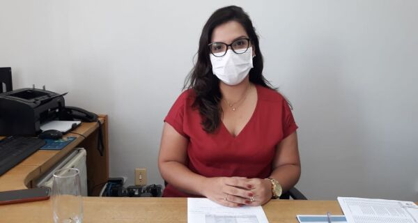 """Daniella Mendes: """"Não vamos comprar vacina com dinheiro do servidor da Comsercaf"""""""