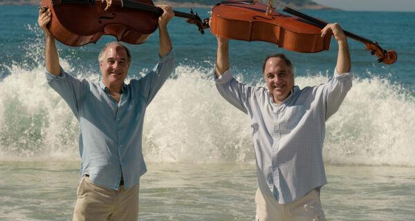 Duo Santoro homenageia compositores brasileiros vivos em concerto inédito e gratuito em Araruama