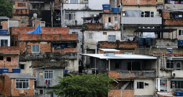 Fiocruz lança edital para enfrentamento da Covid-19 nas favelas com financiamento da Alerj