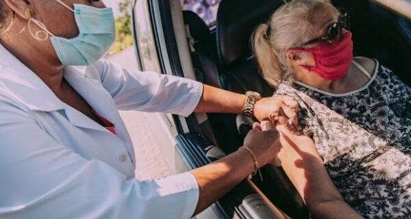 Cabo Frio vacina idosos de 75 a 77 anos contra a Covid-19 durante esta semana