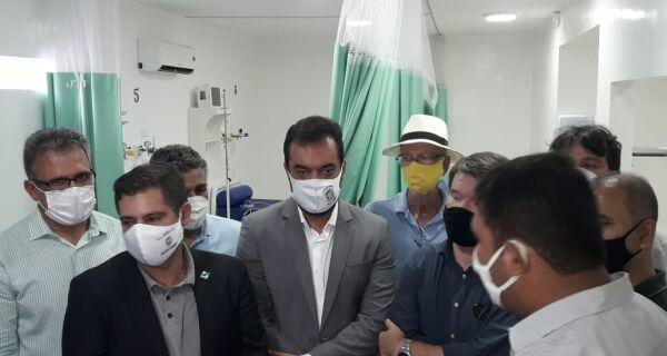 Em Cabo Frio, governador Claudio Castro confirma reabertura do Hospital Unilagos