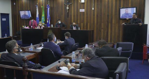 Câmara de Cabo Frio aprova destinação de verba para compra de vacinas contra Covid-19