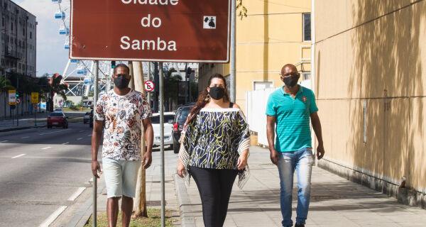 Estado anuncia quase R$ 4 milhões para blocos e escolas de samba