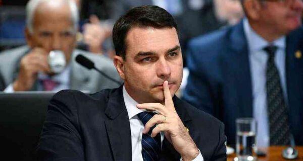 Senado: Flávio Bolsonaro representa contra Kajuru no Conselho de Ética