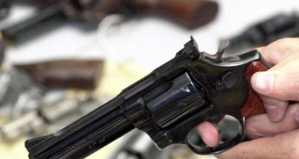 Entra em vigor parte dos decretos que ampliam acesso a armas de fogo