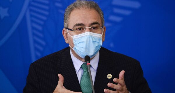 Ministro da Saúde anuncia chegada de 15,5 milhões de doses de vacina da Pfizer até junho
