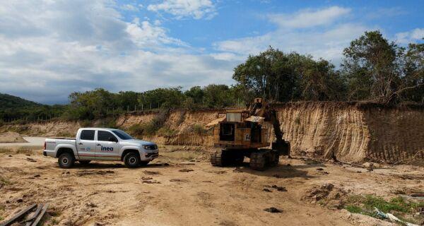 Ambiente e Inea flagram extração mineral ilegal e descarte irregular de lixo em Araruama