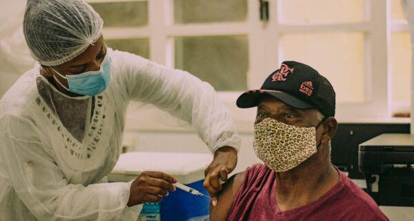 Cabo Frio faz mutirão de vacinação da segunda dose da CoronaVac em Tamoios neste sábado (15)