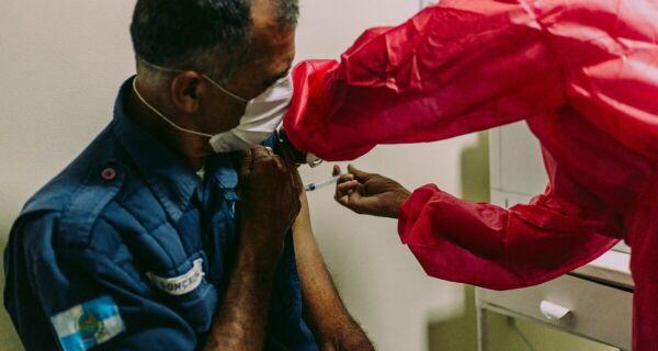 Cabo Frio inicia vacinação da Guarda Civil Municipal contra a Covid-19