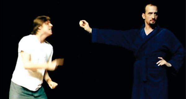 Porchat e Paulo Gustavo no Fesq Cabo Frio 2004: 'Paulo era de longe a pessoa mais engraçada'