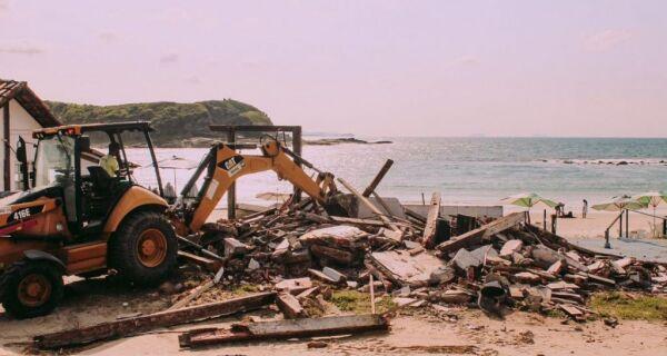Justiça Federal determina demolição de mais um quiosque na Praia das Conchas, em Cabo Frio