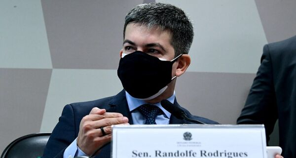 Randolfe apresenta requerimento para convocação de Bolsonaro na CPI da Covid no Senado