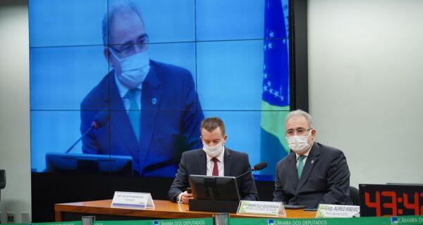 Ministro da Saúde diz que terceira onda de Covid-19 é uma preocupação