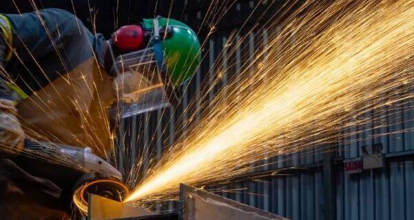 Atividade econômica brasileira tem queda de 6,7% em 12 meses de pandemia, aponta Firjan