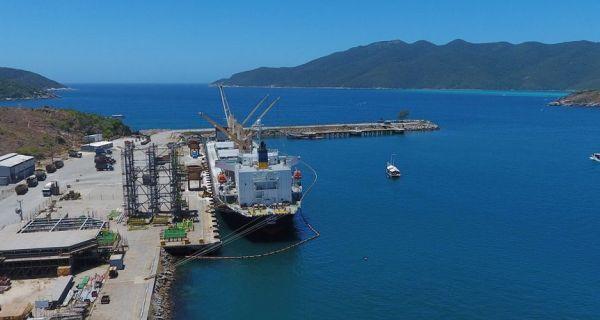 Em dívida, Porto do Forno corre risco de novo embargo pelo Ibama