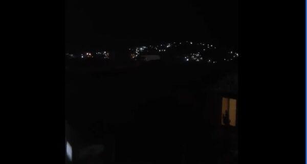 Arraial vive noite de tensão com troca de tiros no Morro da Cabocla