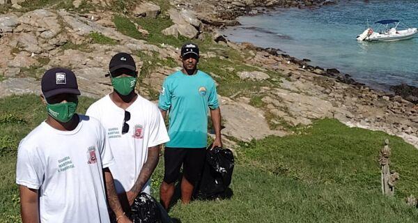 Ilha do Pontal, em Arraial do Cabo, recebe ação de limpeza