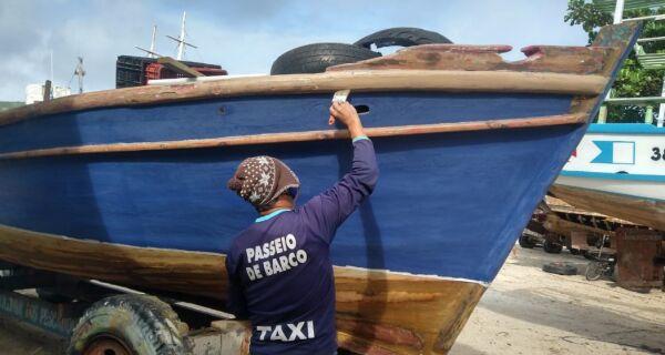 Barco com 40 anos de pesca voltará ao mar depois de reforma em Arraial do Cabo