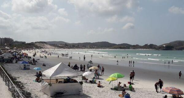 Prefeitura antecipa recadastramento para ambulantes que atuam nas praias de Cabo Frio