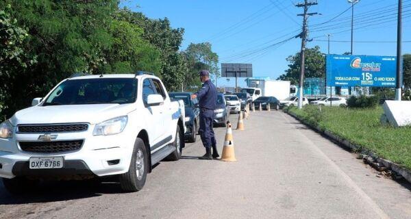 Barreiras sanitárias de Búzios barram 90 veículos no feriado de Corpus Christi