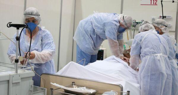Ministério da Saúde diz que mortes por Covid diminuíram 14% e casos, 8%