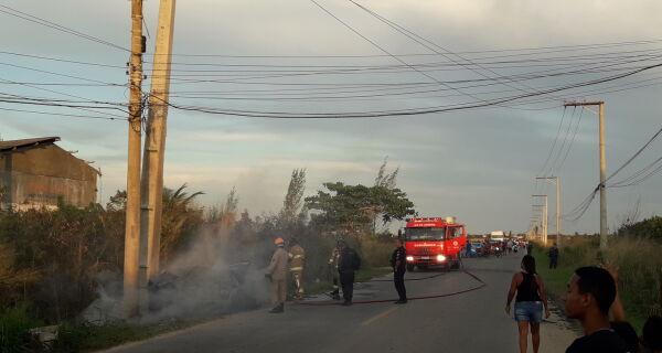 Mulher morre depois de bater com carro em poste no distrito de Figueira