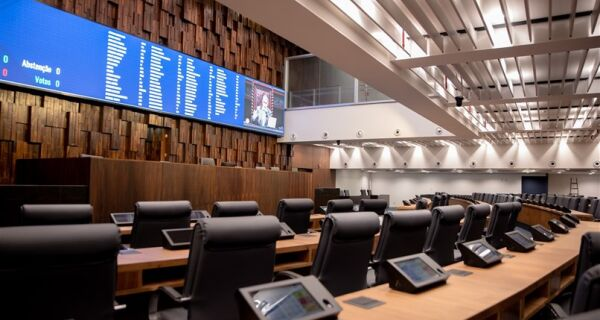 Na volta aos trabalhos, Alerj vota redução de ICMS sobre os pescados