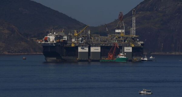 Justiça do Trabalho proíbe Petrobras de ampliar escalas de trabalho