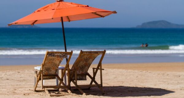 Turismo: agência oferece 4 dias em Búzios e Arraial por R$ 455; passagem aérea / ida e volta inclusa