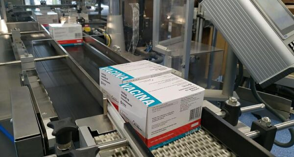Fiocruz volta a entregar doses da vacina contra Covid-19