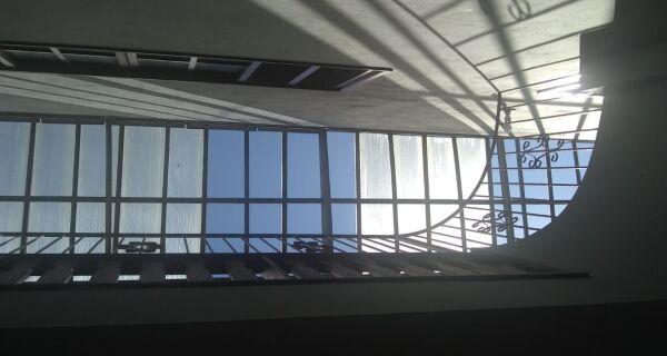 Funcionários denunciam falta de estrutura e perigo em escola de Arraial do Cabo