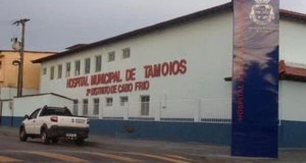 Moradores fazem protesto pela reabertura do Hospital de Tamoios, em Cabo Frio