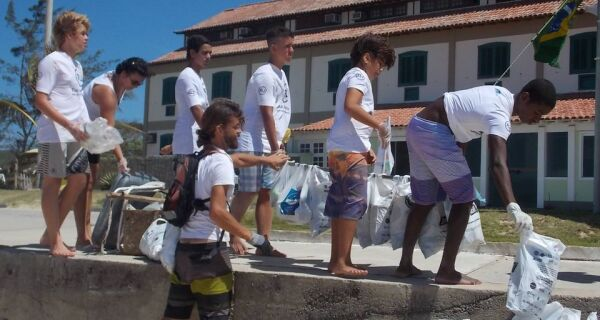 Dia Mundial da Limpeza terá ações na Praia do Peró neste sábado (18)