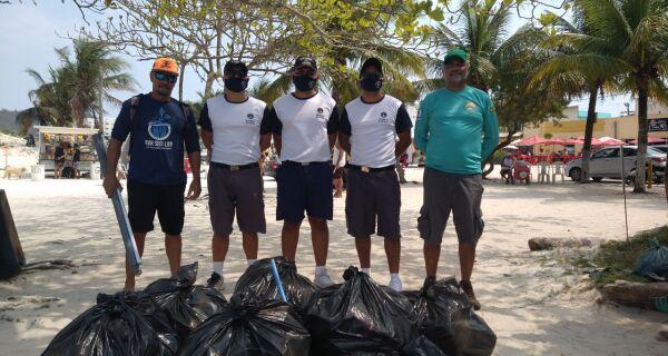 Ação ambiental retira mais de 400Kg de lixo em quatro praias de Arraial
