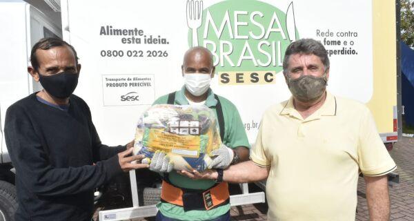 Mesa Brasil Sesc RJ distribui 3,2 toneladas em cestas básicas em Cabo Frio