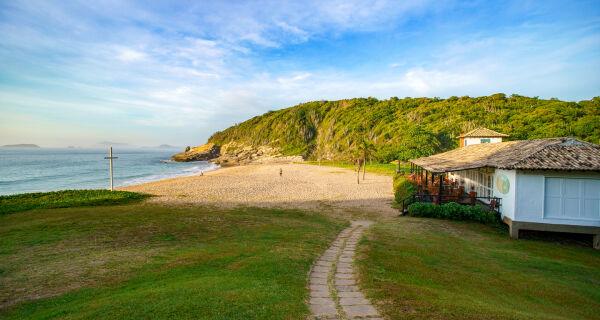 Praias das Caravelas, Forno, Foca e Tucuns em Búzios mais perto da certificação da Bandeira Azul