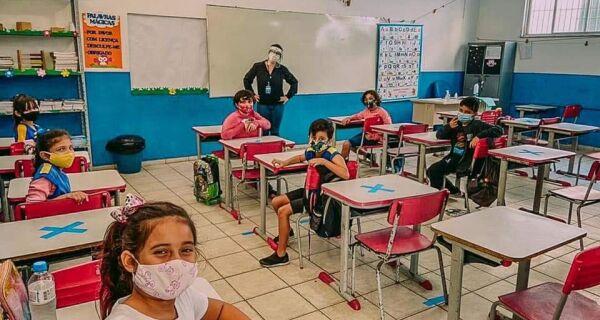 Cabo Frio aumenta para 70% o percentual de alunos no sistema híbrido a partir desta segunda (13)