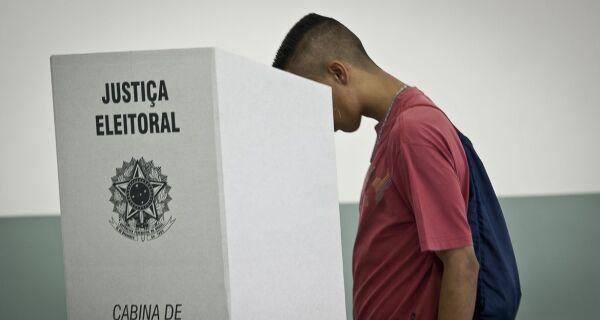 Barroso reafirma segurança de urnas eletrônicas durante testes no Rio