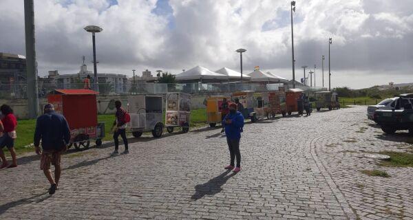 Prefeitura realiza vistoria de jipes, tratores e carrinhos de ambulantes em Cabo Frio