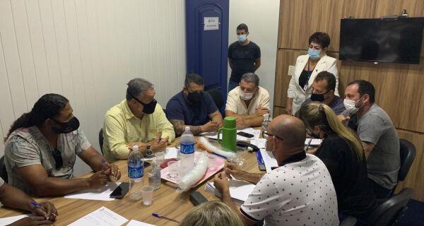 Comissão da Câmara de Cabo Frio se reúne com representantes dos vendedores ambulantes