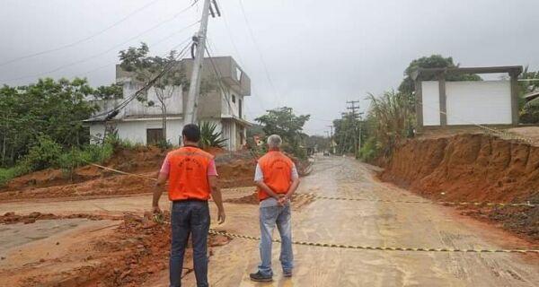 Defesa Civil de Búzios interdita área no Arpoador da Rasa por risco de queda de poste